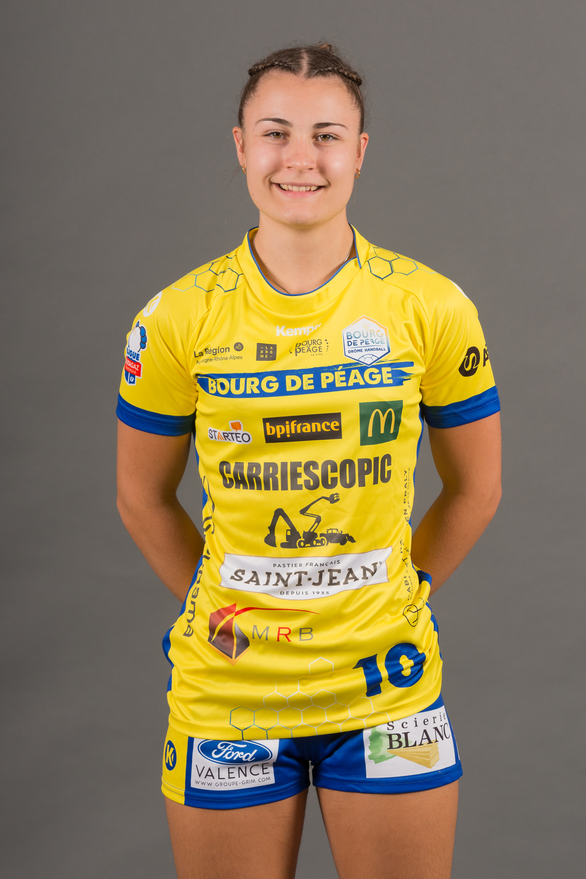 10 - Lucie Modenel