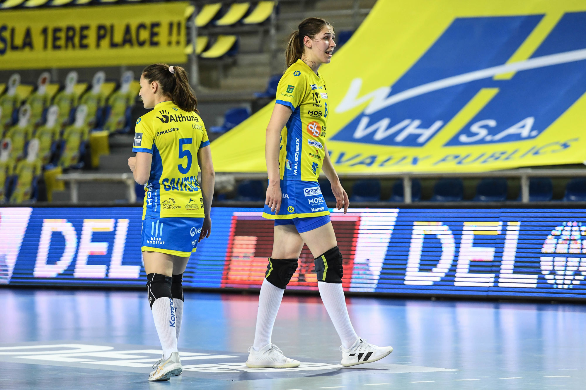 Daphne GAUTSCHI of Metz Handball and Camila MICIJEVIC of Metz Handball dejected during the DELO EHF Women's Champions match between Metz and Brest on April 10, 2021 in Metz, France. (Photo by Anthony Dibon/Icon Sport) - Camila MICIJEVIC - Daphne GAUTSCHI - Palais Omnisports Les Arenes Metz - Metz (France)