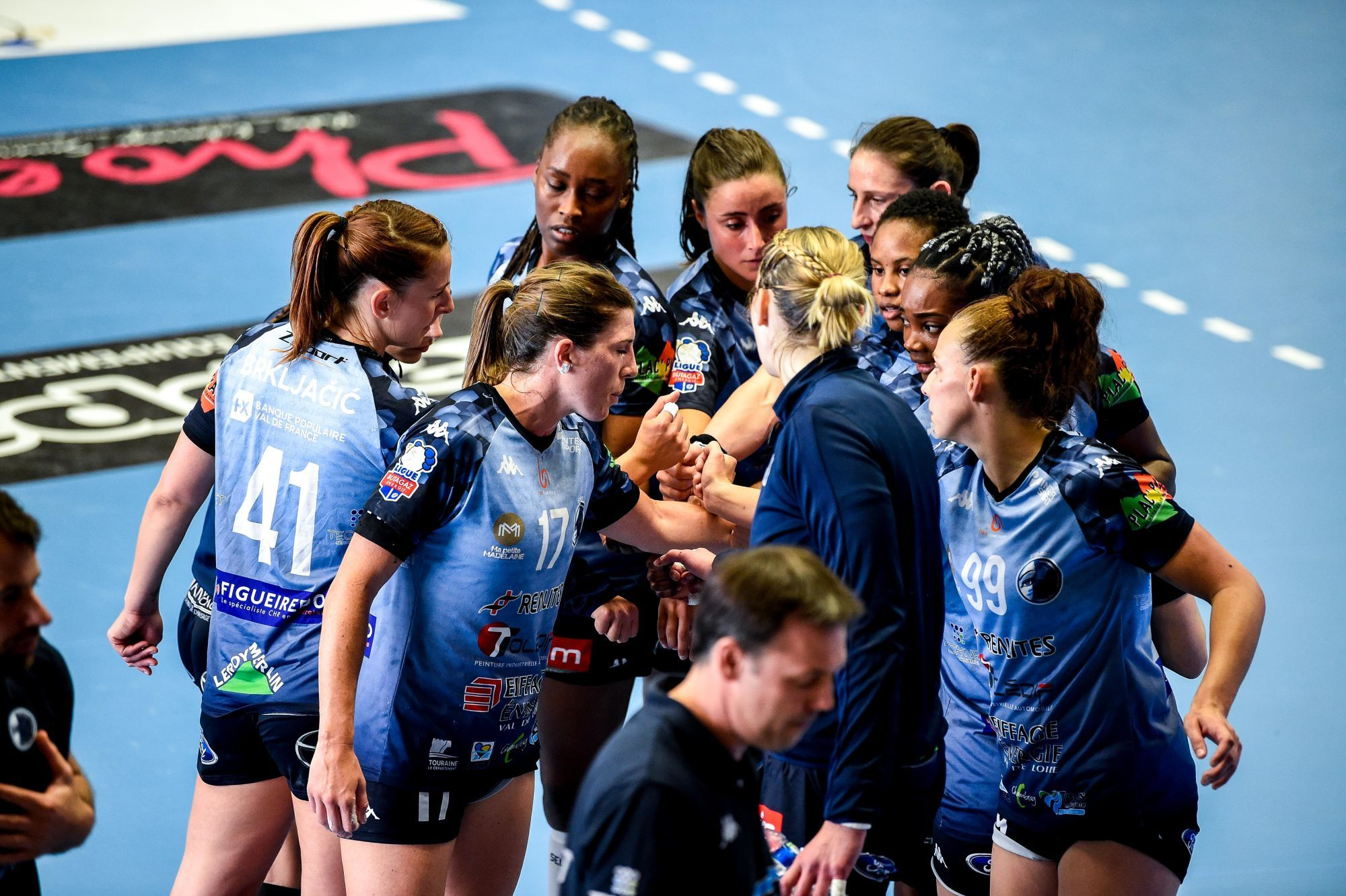 Team of CTHB during the Ligue Butagaz Energie match between Chambray and Paris 92 on May 8, 2021 in Chambray-les-Tours, France. (Photo by Hugo Pfeiffer/Icon Sport) - --- - Gymnase de la Fontaine Blanche - Chambray-les-Tours (France)