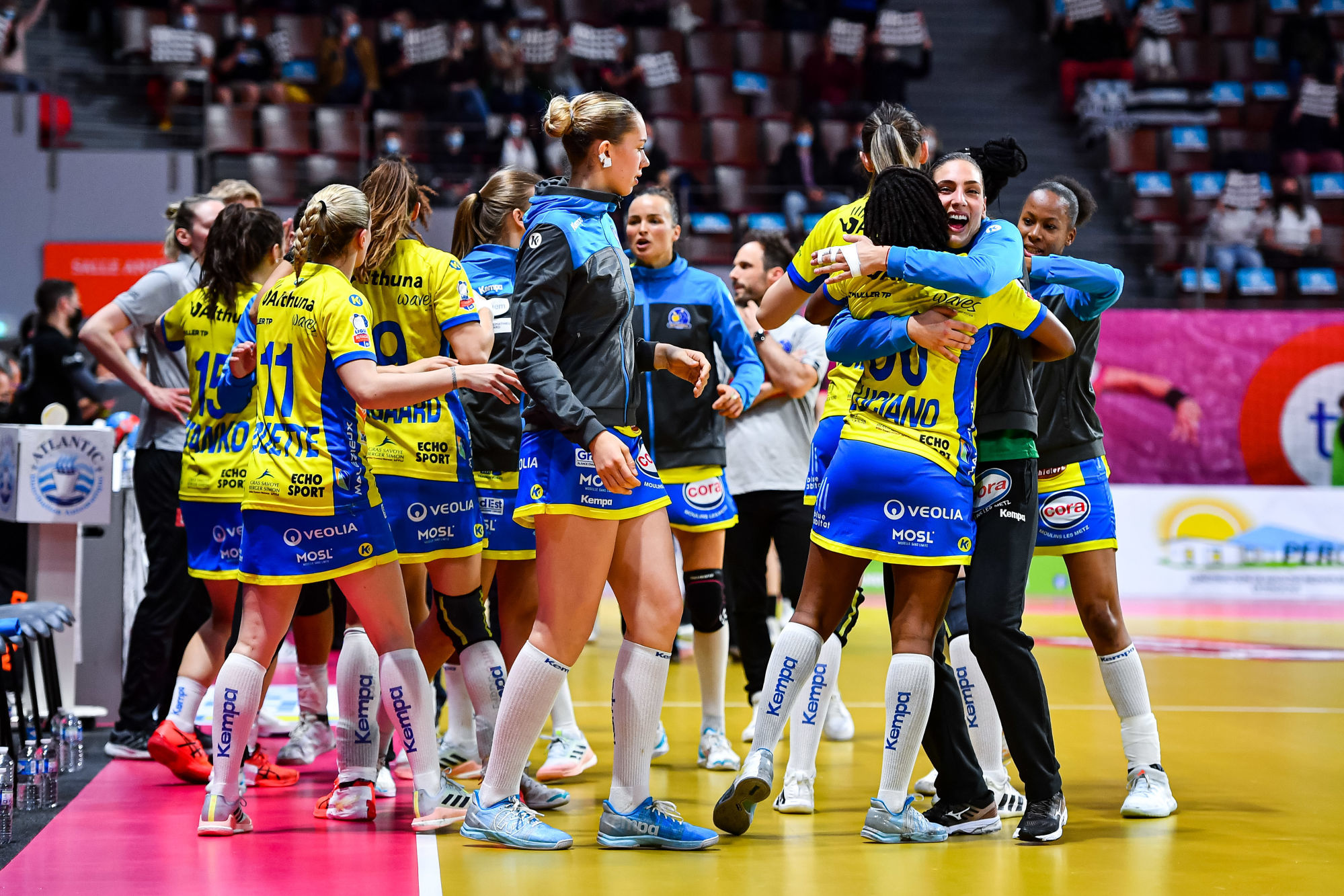 Team of Metz prior to the women's Ligue Butagaz Energie final match between Brest and Metz at Brest Arena on May 23, 2021 in Brest, France. (Photo by Baptiste Fernandez/Icon Sport) - --- - Brest (France)