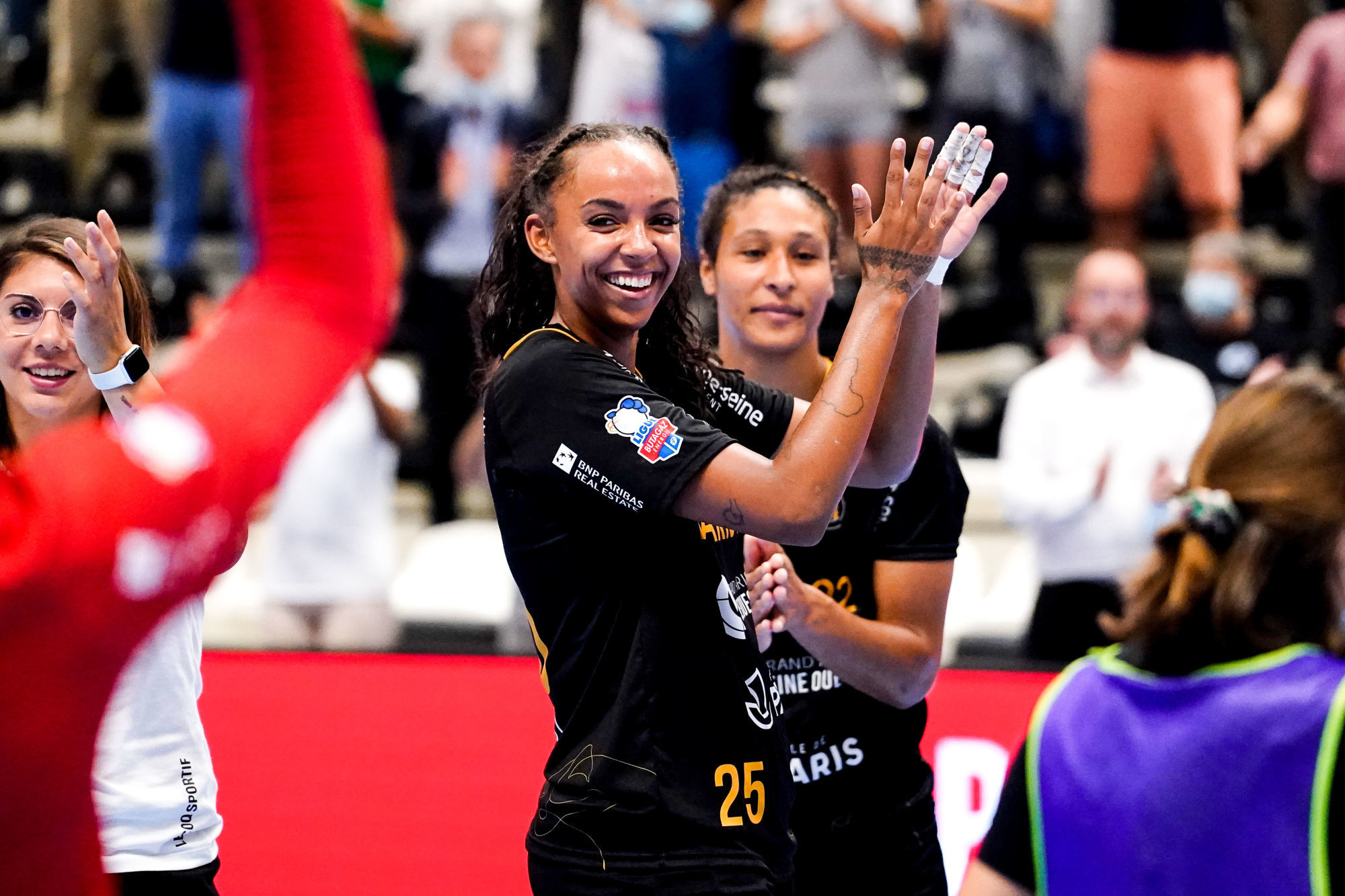 Marie Helene SAJKA of Paris 92 celebrate during the Ligue Butaguaz Energie match between Paris 92 and Chambray at Palais des Sports on September 8, 2021 in Paris, France. (Photo by Hugo Pfeiffer/Icon Sport) - Palais des Sports Robert Charpentier - Issy-les-Moulineaux (France)